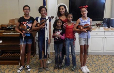 The Fountains at Crystal Lakes' Watermark Kid Noa, Performs for Residents